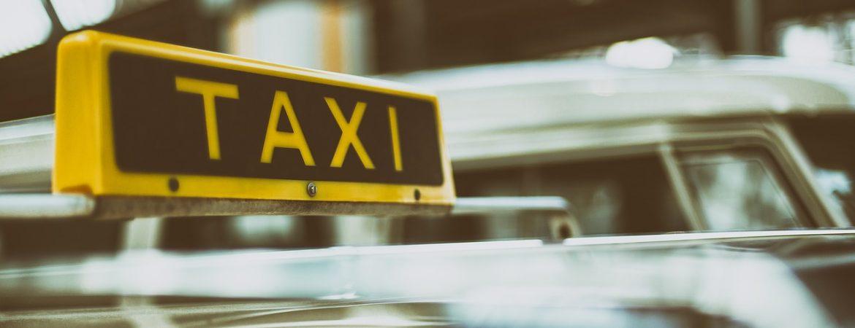 Taxi w Krakowie – szukasz numeru na tanią taksówkę? Sprawdź naszą ofertę!