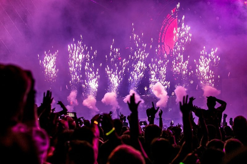 Fajerwerki i show na Nowy Rok