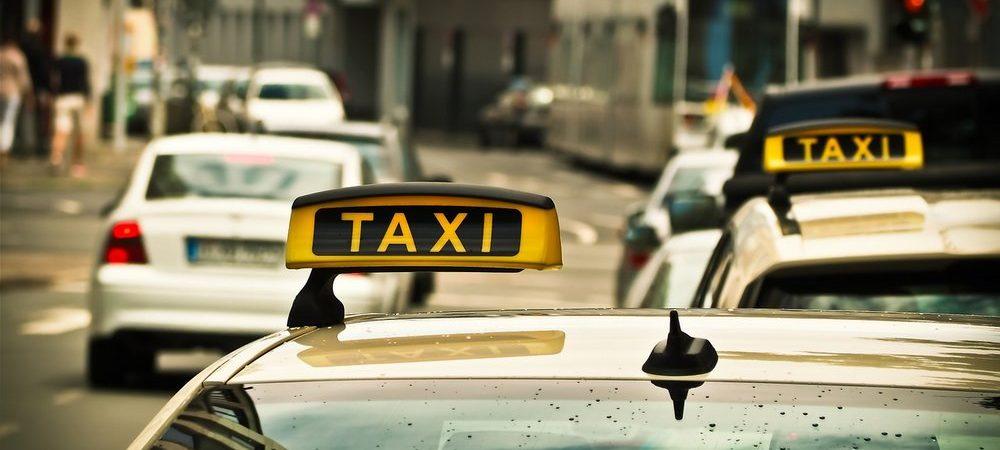 Jak zdać kurs niezbędny w pracy taksówkarza w Krakowie?